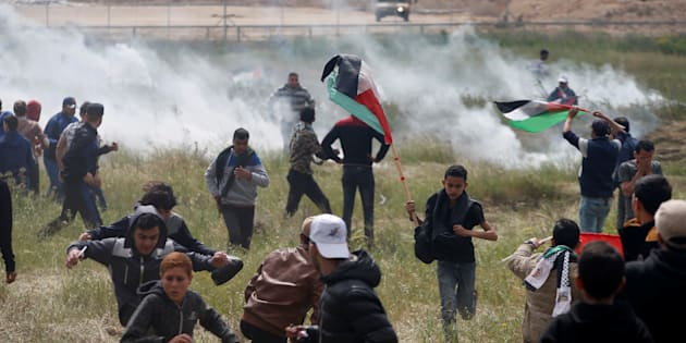Gaza, scontri al confine con Israele
