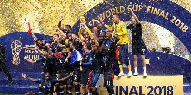 La Selección Francesa festeja su bicampeonato mundial.
