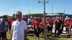 Pause dej' avant le Stade de France, les supporters des Herbiers ont envahi les aires