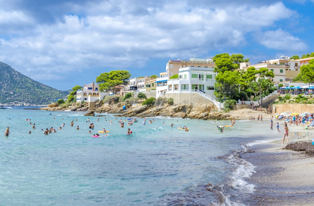 c58b416a8af0 If you're planning a mid-summer trip one of the world's best beaches, you're  probably looking for some killer digs to boot. Though you'd be hard-pressed  to ...