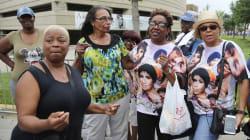 Des centaines de fans réunis pour accueillir le cercueil d'Aretha Franklin à