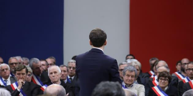 Emmanuel Macron face aux maires à Souillac ce vendredi 18 janvier.