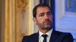 Castaner s'indigne d'une pancarte de Macron en SS à la