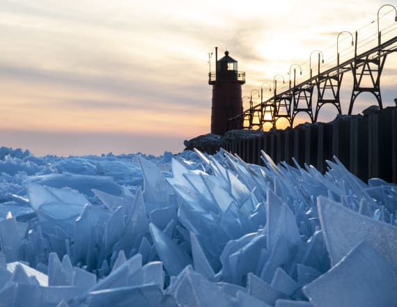 Ice shards create surreal scene on Lake Michigan