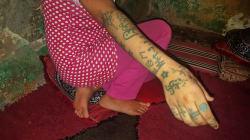 「集団レイプされ、逆卍のタトゥーを入れられた」17歳少女の証言がモロッコを震撼させている