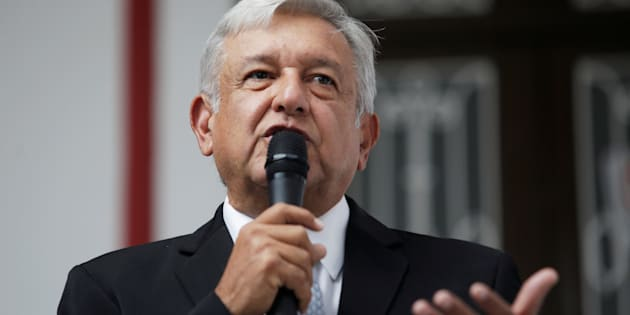 El virtual presidente electo, Andrés Manuel López Obrador durante una conferencia en su casa de transición en la Ciudad de México.