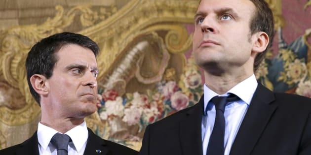 Manuel Valls et Emmanuel Macron alors ministre de l'Economie, le 8 février 2016 lors d'une conférence de presse à Paris.