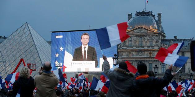 Macron doit présenter un gouvernement d'union nationale pour que la France achève sa mutation démocratique.