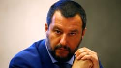 Salvini menace de lever la protection de l'auteur de