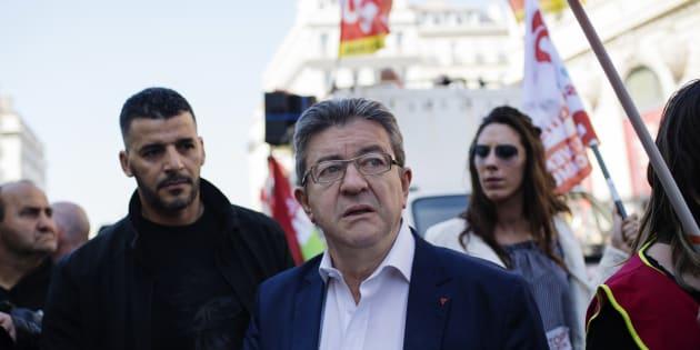 """""""Ils ont sous-évalué les comptes pour ne pas dépasser les plafonds: voilà mes soupçons"""", accuse Jean-Luc Mélenchon suite à l'article de Mediapart sur les """"ristournes"""" dont a bénéficié Emmanuel Macron."""