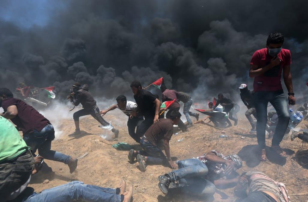 Jerusalem embassy opening: Dozens dead in Gaza-Israel fence protest ...