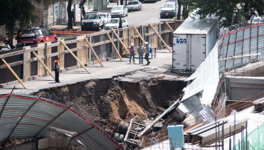 Las hipótesis del socavón en Avenida Oceanía: tuberías viejas o construcción de centro