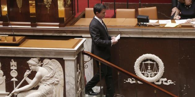 Le Premier ministre Manuel Valls à l'Assemblée nationale, après avoir annoncé le recours au 49.3 sur la Loi Travail,  le 5 juillet 2016.