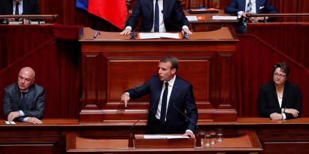 """Au Congrès à Versailles, Emmanuel Macron promet un """"Etat providence du XXIe siècle"""" tout en renvoyant les annonces à la rentrée."""
