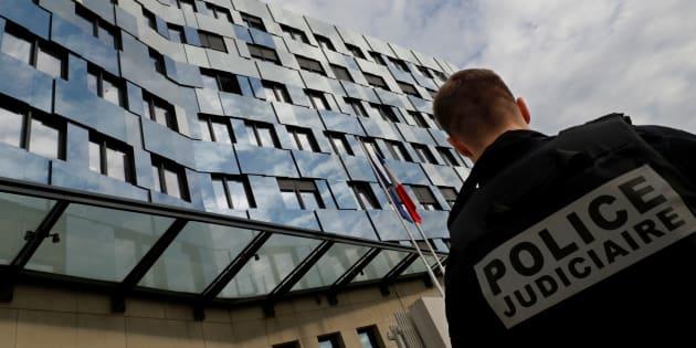 """Collombveut """"renforcer"""" l'efficacité des mesures visant à prévenir le suicide chez les forces de l'ordre"""