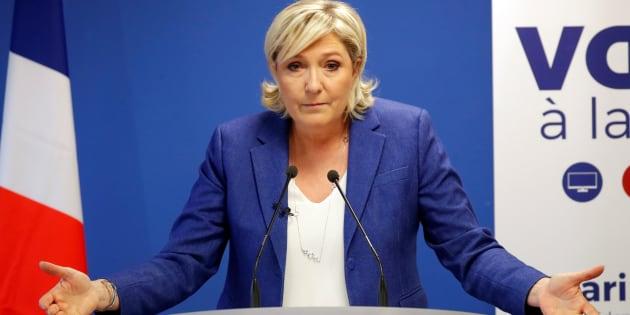 """La présidente du FN Marine Le Pen affirme avoir découvert dans """"Le JDD"""" qu'elle était la cible d'un contrôle fiscal."""