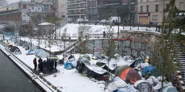 Des réfugiés afghans le long du Canal Saint-Martin à Paris, le 9 février 2018.