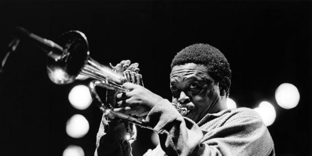 Hugh Masekela performing.
