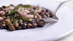 Otra idea original para preparar garbanzos: con calamares en su
