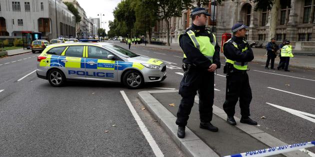 Londres: une voiture percute des passants près du Natural History Museum, plusieurs blessés