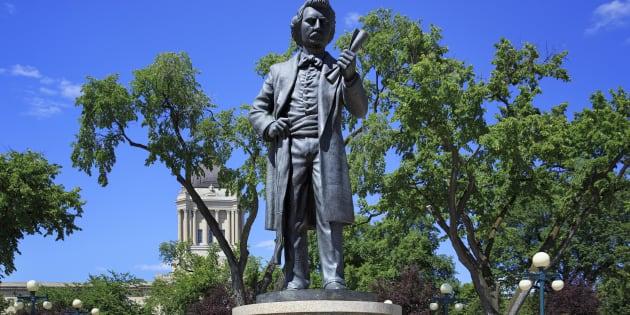 «Riel, notre frère» comme dira le grand Mercier, est arrêté et pendu à Régina le 16 novembre 1885 pour le meurtre de Thomas Scott. «Même si tous les chiens du Québec ont aboyé en sa faveur», a dit froidement le Monsieur dont on désocle présentement ses statuts dans le Dominion.