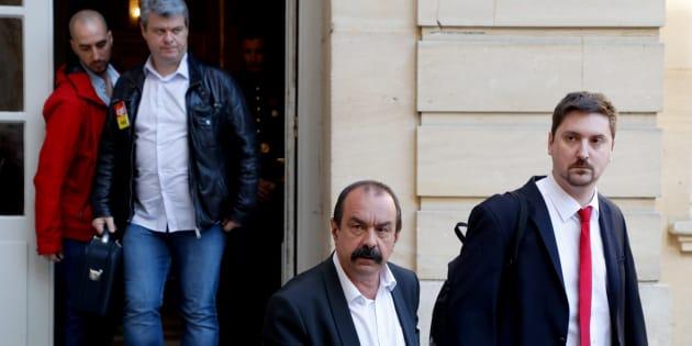 Laurent Brun et Philippe Martinez sortant de Matignon lundi 7 mai.