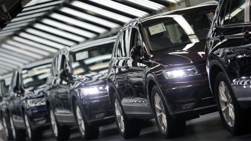 VW restarts Wolfsburg production after coronavirus shutdown 1