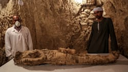 Egyptian Archaeologists Unveil 3,500-Year-Old Tombs In