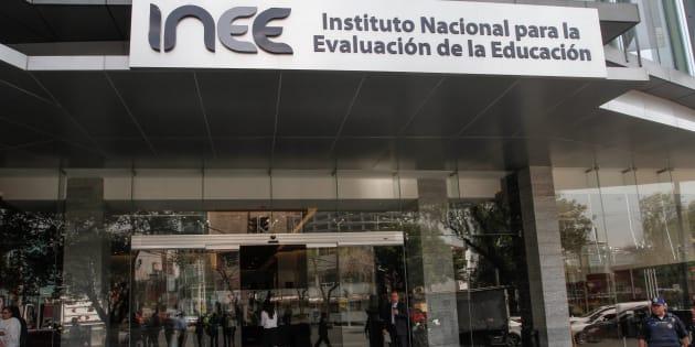 Según el diputado morenista Irán Santiago Manuel, el INEE nunca logró obtener un diagnóstico del sector educativo y solo castigó y dañó la estabilidad laboral del maestro.