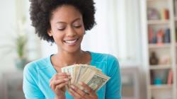 11 expertos comparten sus mejores ideas sobre cómo ahorrar dinero en