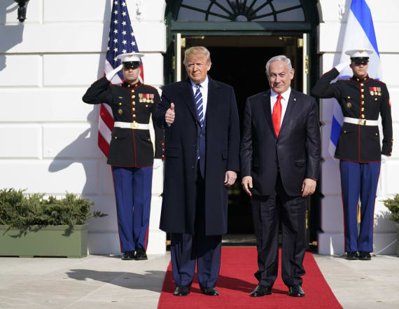 Trump announces Mideast peace plan