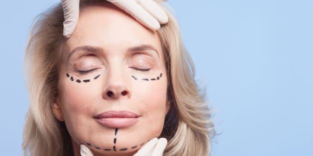 Chirurgia estetica e depressione, attenzione alle semplificazioni