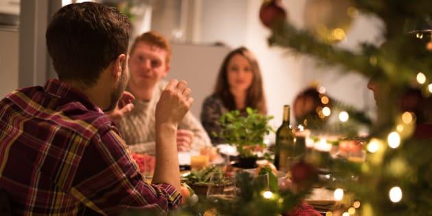 """Aux repas de famille, dans les transports, au travail, au lieu de rester silencieux, testez la """"micro"""" révolte."""