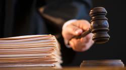 Um juiz de Nova Jersey perguntou a uma mulher se ela 'fechou as pernas para evitar ser