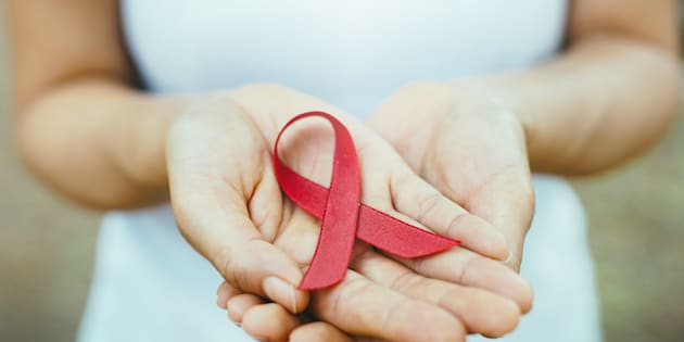Uma pessoa vivendo com HIV com uma carga viral consistente de 200 cópias/ml ou menos não trasmite o HIV.