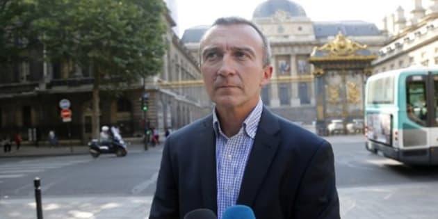 """Macron """"trahi"""" le 1er mai: Benalla """"pensait avoir un mot de soutien du président"""", selon son avocat"""