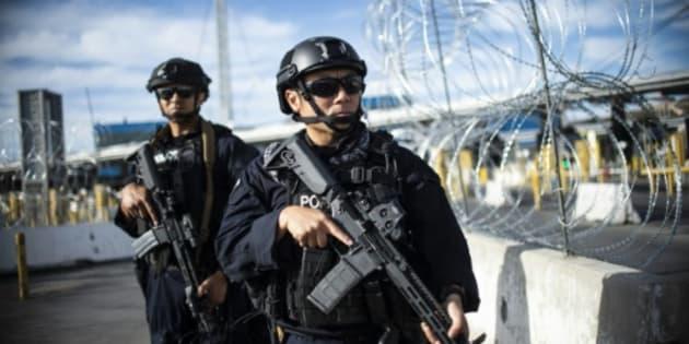 Puerto de San Diego, entrada a Estados Unidos desde México, custodiada por fuerzas estadounidenses.
