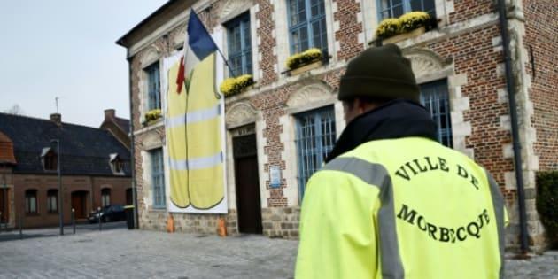 """Le maire de Morbecque (Nord) affiche son soutien au mouvement des """"gilets jaunes"""", mais ne souhaite pas de blocages dans sa commune le 17 novembre."""
