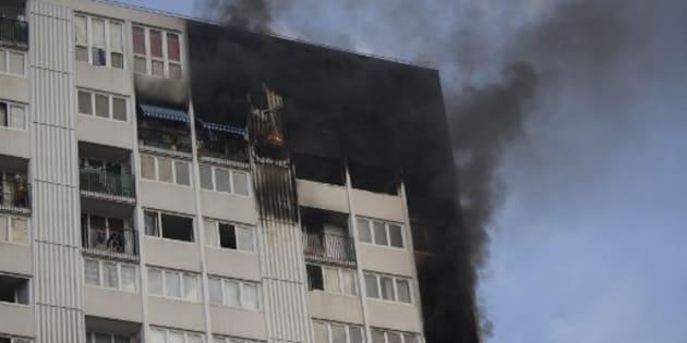 À Aubervilliers, une femme et trois enfants meurent dans l'incendie d'un immeuble de 18 étages