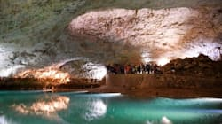 Turistas buscan refugio en cavernas para combatir ola de calor en