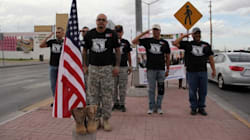 Mexicanos que sirvieron al Ejército de EU protestan en el Día de los