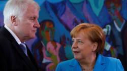 Merkel trouve un accord avec son ministre de l'Intérieur et sauve sa
