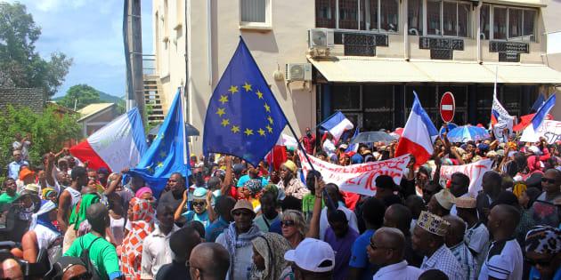 Mayotte: la législative partielle sera bien organisée, les barrages devraient être levés.