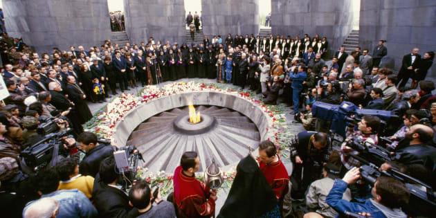 Commémoration du génocide arménien au mémorial Tsitsernakaberd à Erevan, Arménie.
