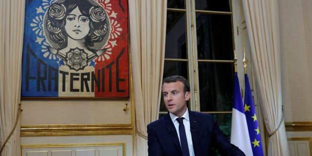Emmanuel Macron à l'Élysée lors de son interview télévisée d'octobre 2017.