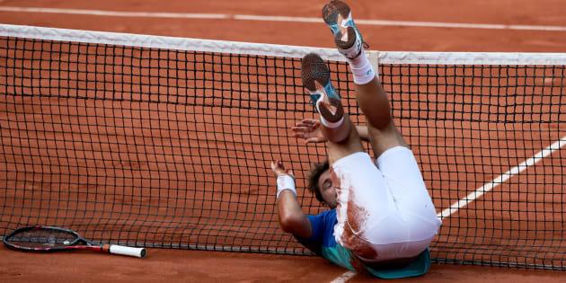 La grosse chute de Wawrinka juste avant de battre Cilic et se qualifier en demi-finale de Roland-Garros
