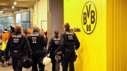 Explosión cerca del autobús del Borussia Dortmund deja un herido; el partido se jugará