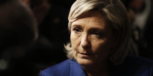 """Marine Le Pen a reconnu avoir salarié fictivement un assistant pour le """"régulariser"""""""