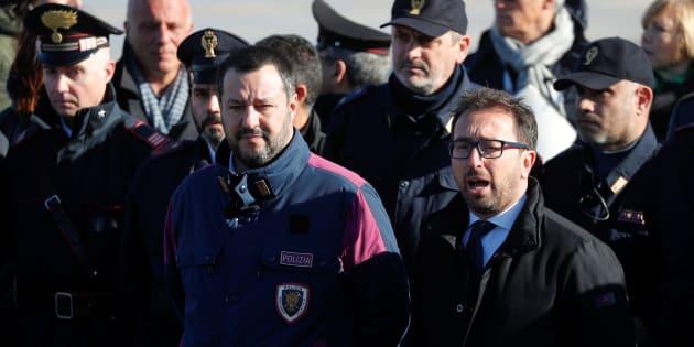 """Battisti, penalisti contro Salvini e Bonafede: """"Sul suo arrivo autopromozione e propaganda"""""""