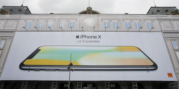 Pour la sortie de l'iPhone X, il va falloir mesurer les files d'attente devant les Apple Store.